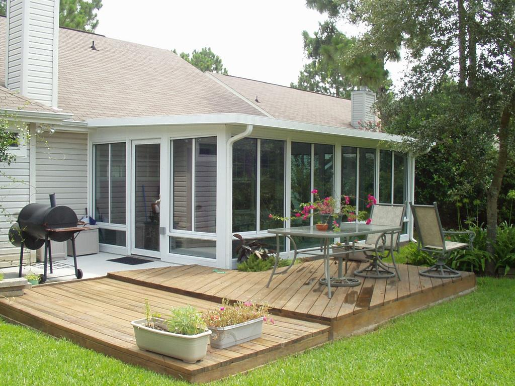 Sunrooms nashville tn conservatories solariums for Porch sunroom